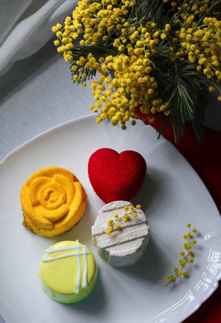 pleasant plating cupcakes on white ceramic plate